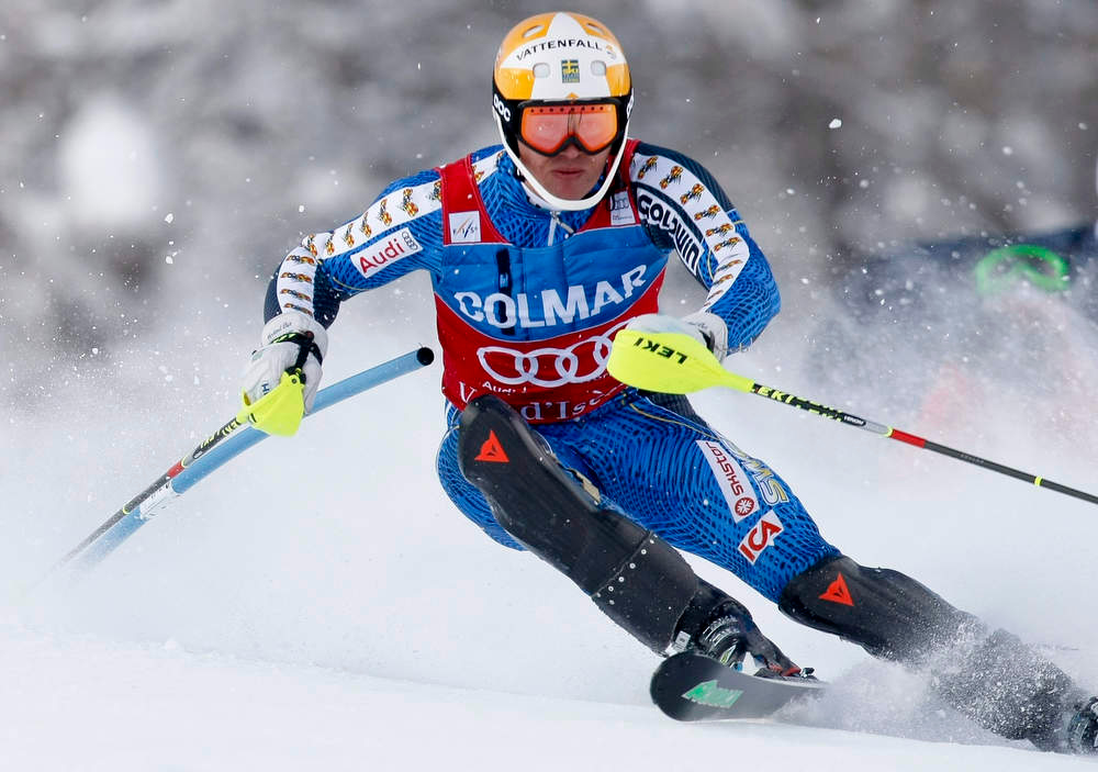. Andre Myhrer of Sweden skis during the first leg in the men\'s World Cup Slalom skiing race in Val d\'Isere, French Alps, December 8, 2012.    REUTERS/Emmanuel Foudrot