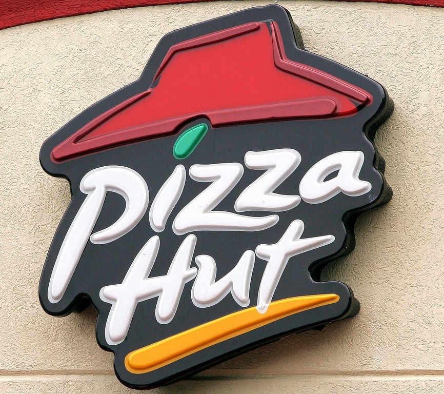 ". <p>7. (tie) PIZZA HUT <p>You like surprise toppings? Urine for a real treat! (unranked) <p><b><a href=\'http://www.twincities.com/breakingnews/ci_25178732/wva-pizza-worker-caught-urinating-sink-fired\' target=""_blank\""> HUH?</a></b> <p>    (Photo by Tim Boyle/Getty Images)"