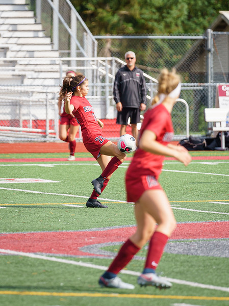 2019-09-28 Varsity Girls vs Meadowdale 083.jpg