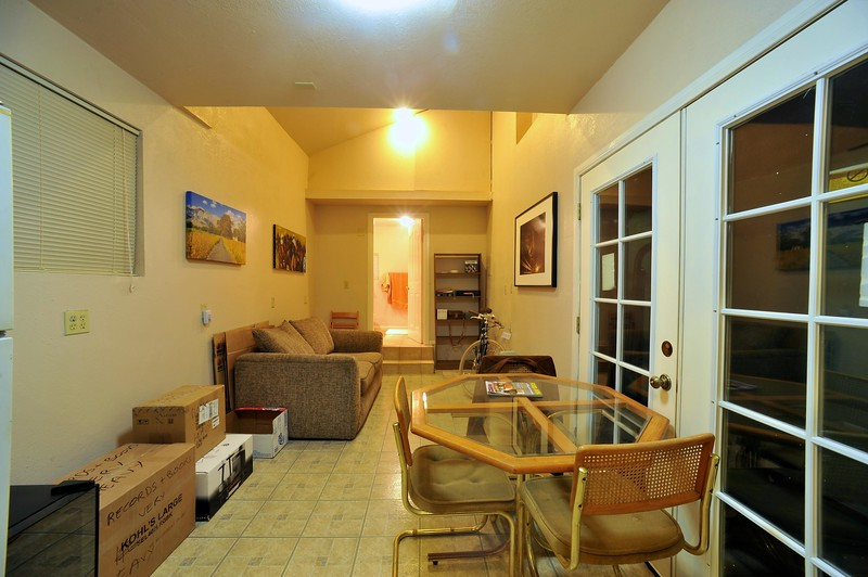 Apartment 002.jpg