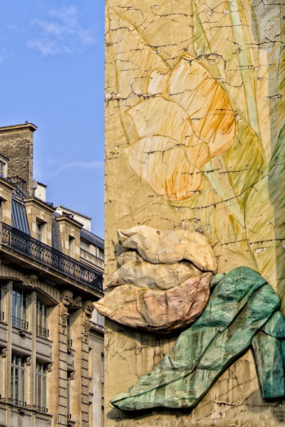 Random wall sculpture -Paris