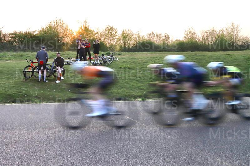 Miche West Thames cat 3 race + E,1,2 race