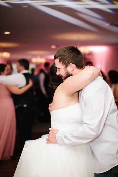 amie_and_adam_edgewood_golf_club_pa_wedding_image-1066.jpg