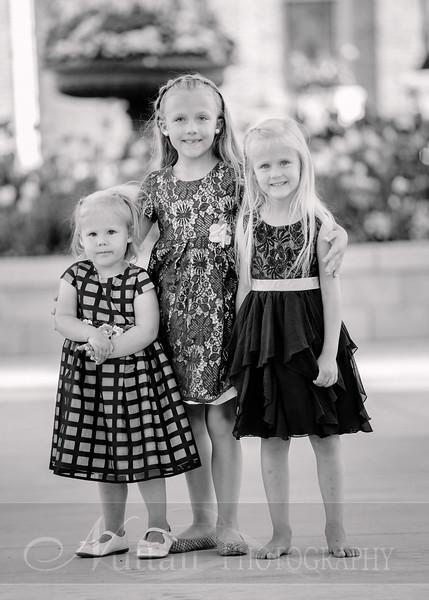 Hirschi Girls 078bw.jpg