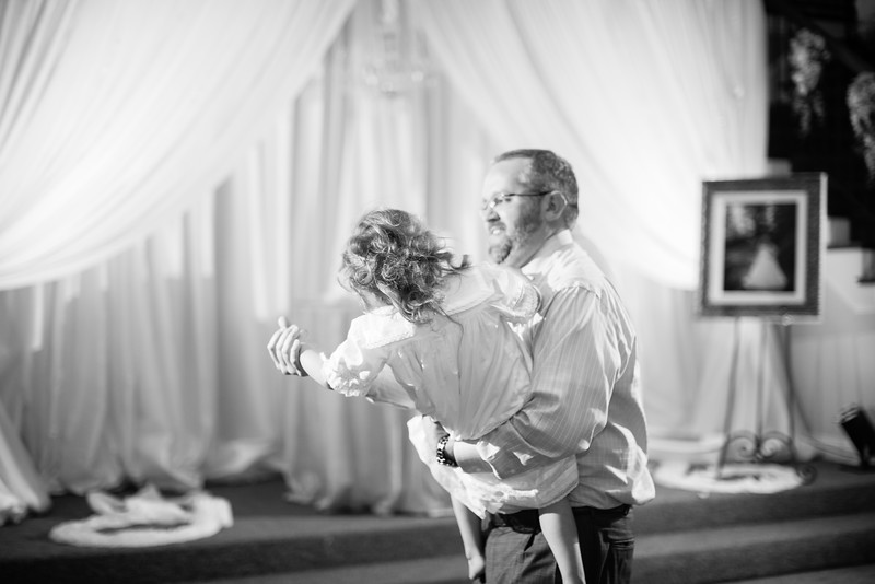 0991_Josh+Lindsey_WeddingBW.jpg