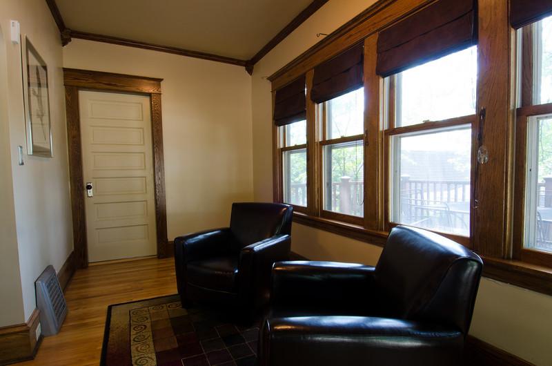 15 Sunroom 1.jpg