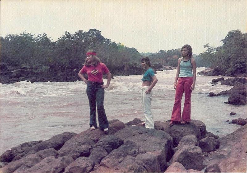 1974 - Rio Luachimo  Teresa Gameiro, Zezinha Gameiro e  Jú Prudente