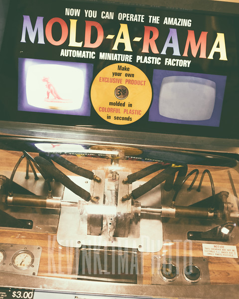 Mold-A-Rama at the Field Museum