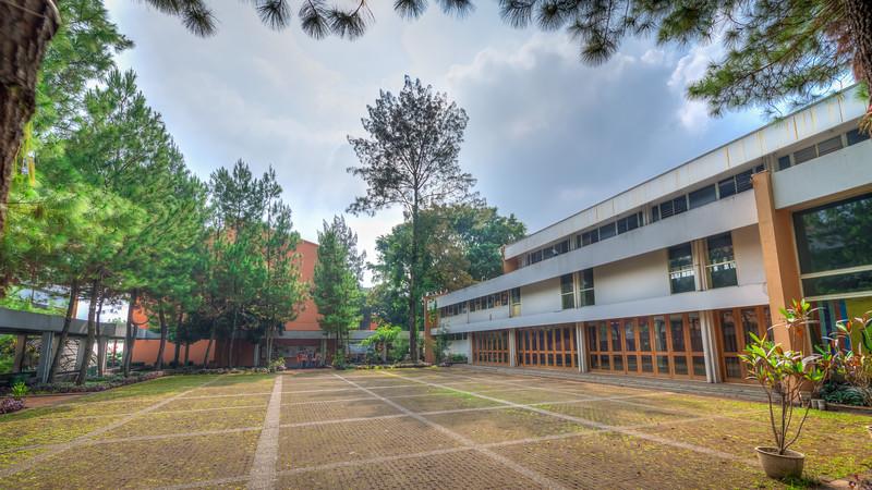 GSG dan Kantor Rektorat Lama