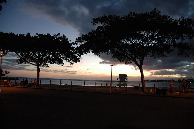 Hawaii - Ala Moana Beach Sunset-210.JPG