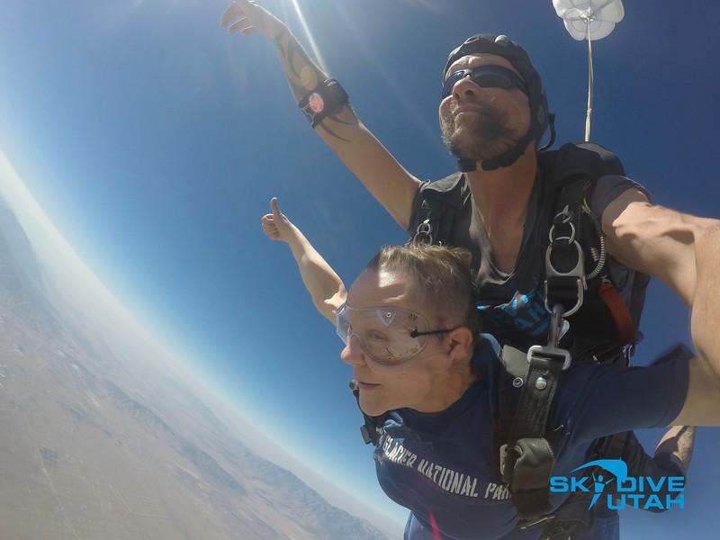 Lisa Ferguson at Skydive Utah - 34.jpg