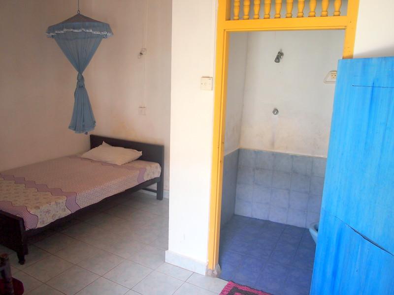 P2188702-weltevreden-hotel-bedroom.JPG