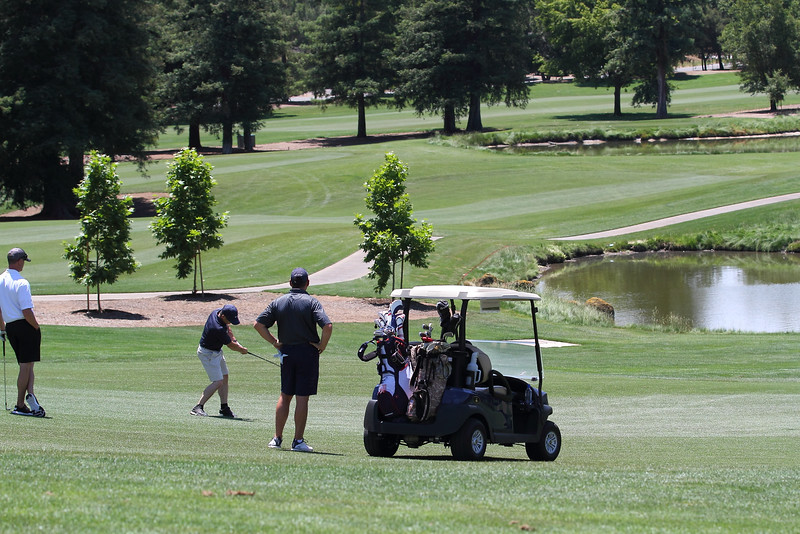 Momentum Golf Benefit-73.jpg