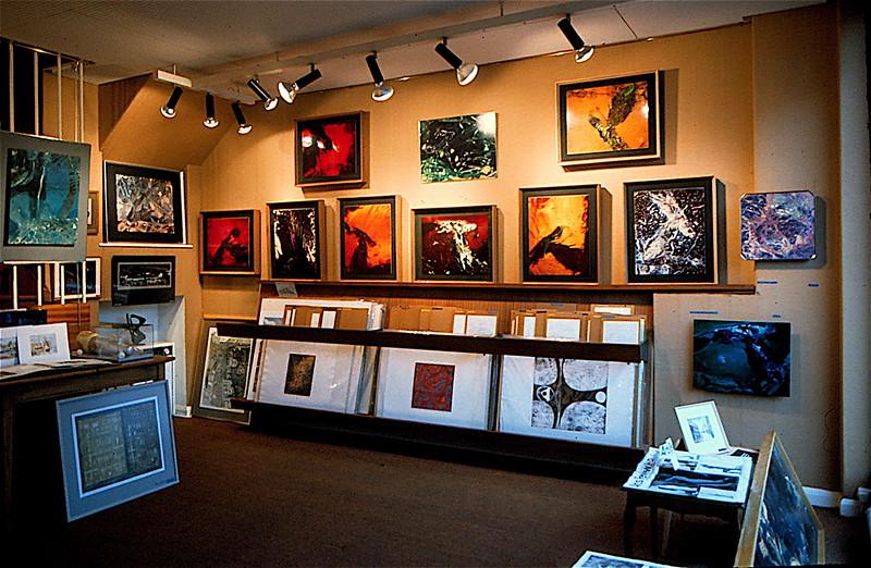 0419 Exhibion Vitrographs 1 at Westcott Art Centre 1965.jpg