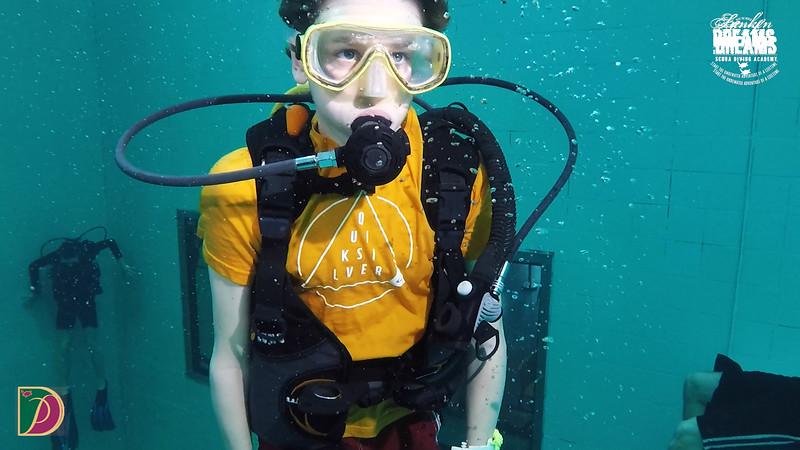 Expedition Pufferfish Day 4.00_55_59_05.Still109.jpg