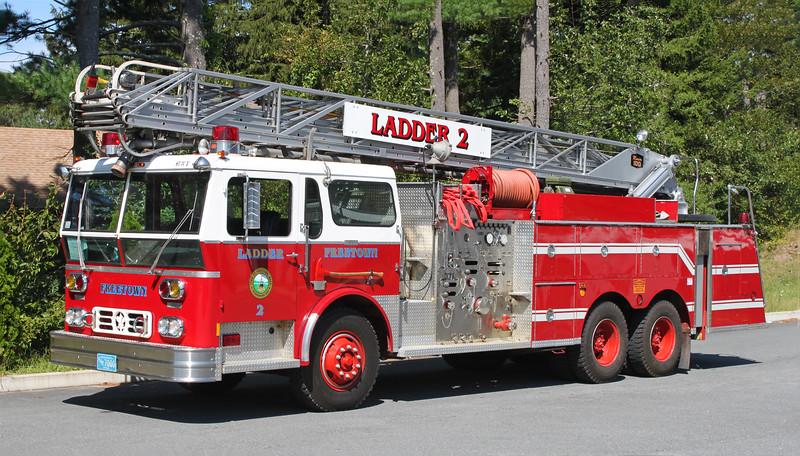 Retired.  Ladder 2.  1978 Ward LaFrance / Maxim.  1000 / 300 / 100' RM