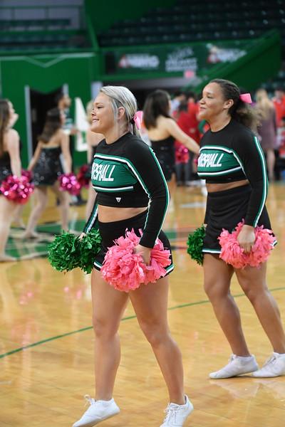 cheerleaders1123.jpg