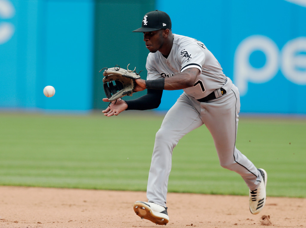 . Chicago White Sox\'s Tim Anderson fields a ball hit by Cleveland Indians\' Melky Cabrera in the eighth inning of a baseball game, Wednesday, May 30, 2018, in Cleveland. Cabrera was out on the play. (AP Photo/Tony Dejak)