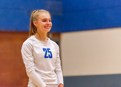 2018-09-18 Anna Beatty Playing Volleyball