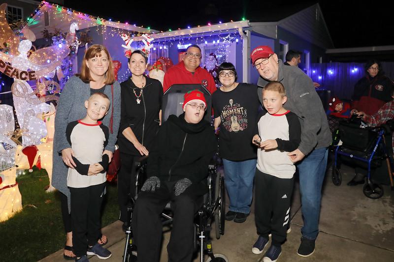 12-08-19-Christmas With Chris & Family-76.jpg