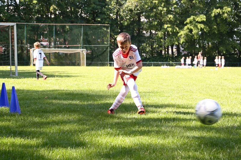 hsv_fussballschule-092_48048029742_o.jpg