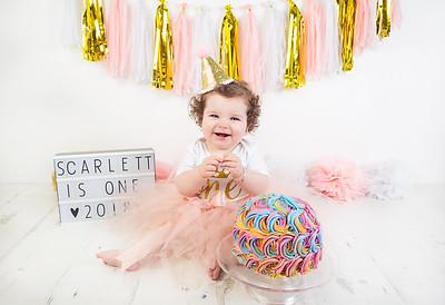 Scarlett cake smash