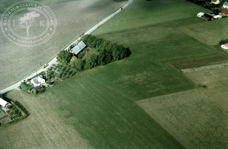 0,25km southeast Kvidinge monument | EE.0902
