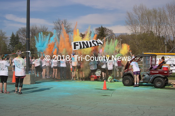 180505 KAHS softball 5K Color Run