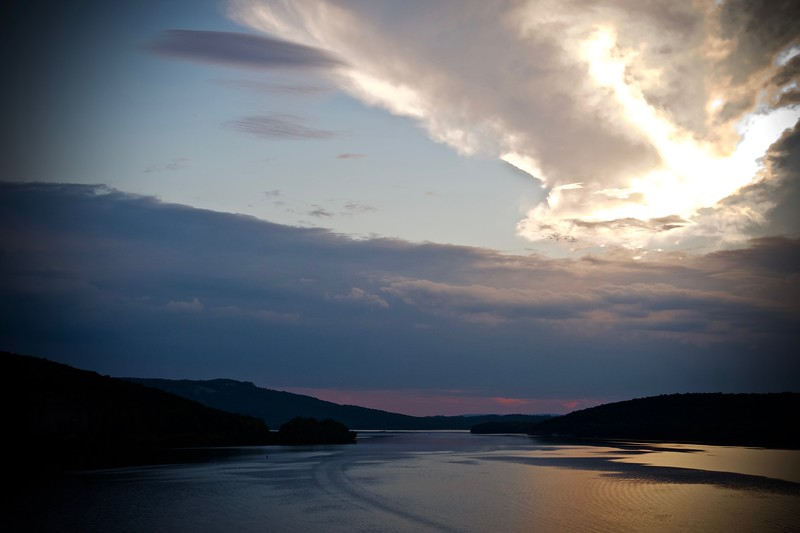 Sunset over Tennessee River.jpg