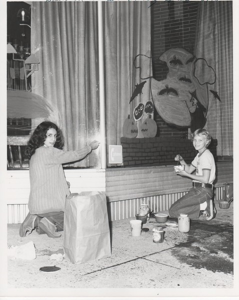 Halloween Window Painting Contest Union Center