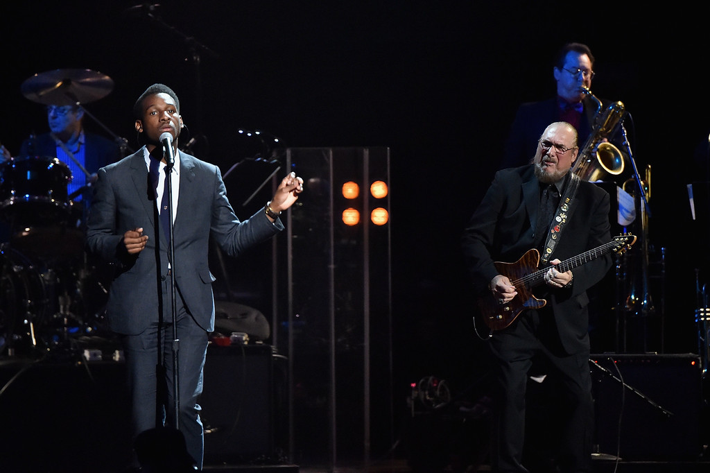 ". Musicians Leon Bridges (L) and Steve Cropper perform a ""5\"" Royales song onstage during the 30th Annual Rock And Roll Hall Of Fame Induction Ceremony at Public Hall on April 18, 2015 in Cleveland, Ohio.  (Photo by Mike Coppola/Getty Images)"