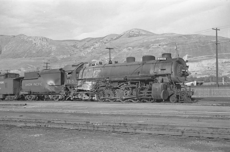 UP_2-10-2_5515-with-train_Salt-Lake-City_Oct-5-1947_002_Emil-Albrecht-photo-230-rescan.jpg