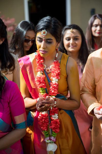 Hina_Pithi_Pooja-331.jpg