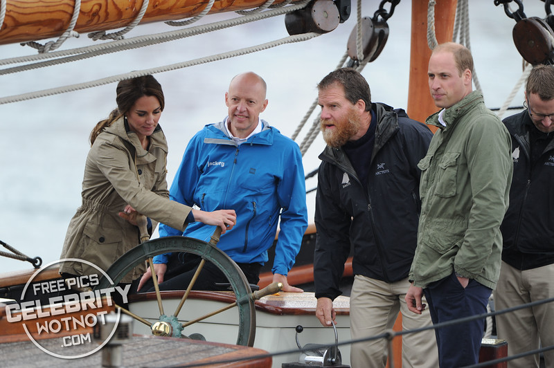 Oops! Captain Kate Middleton Gets Troy Parka Caught On Ship Handles