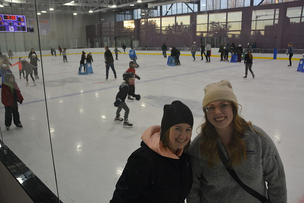 CUPE 498 Hosts Free Public Skating Event