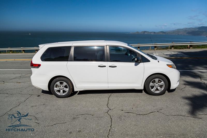 Toyota_Sienna_White_6SWK667-6198.jpg