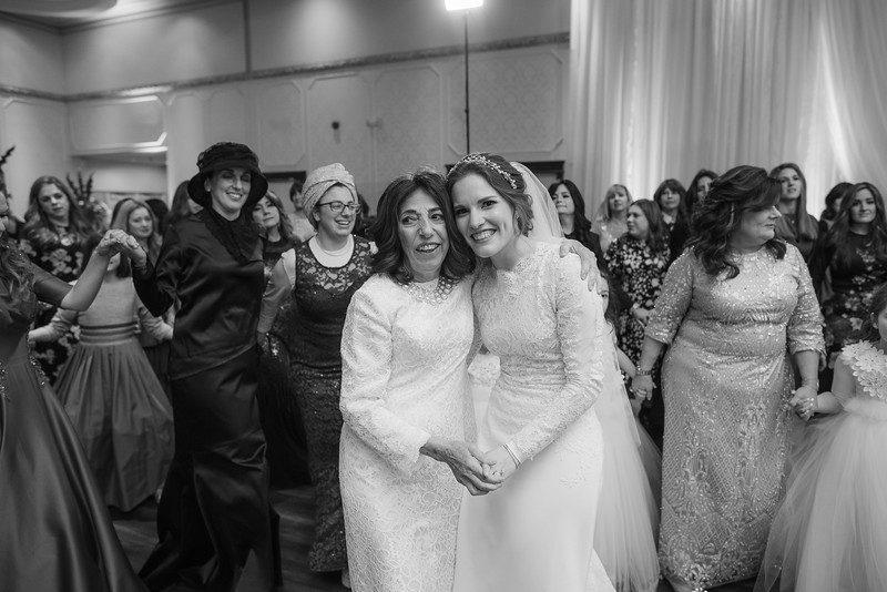 Miri_Chayim_Wedding_BW-688.jpg
