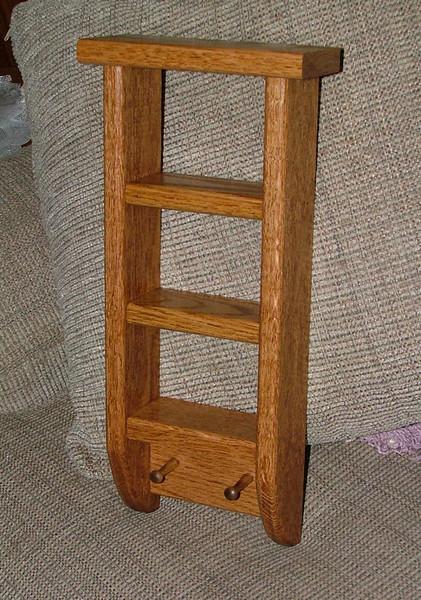 Red oak ladder shelf II.jpg