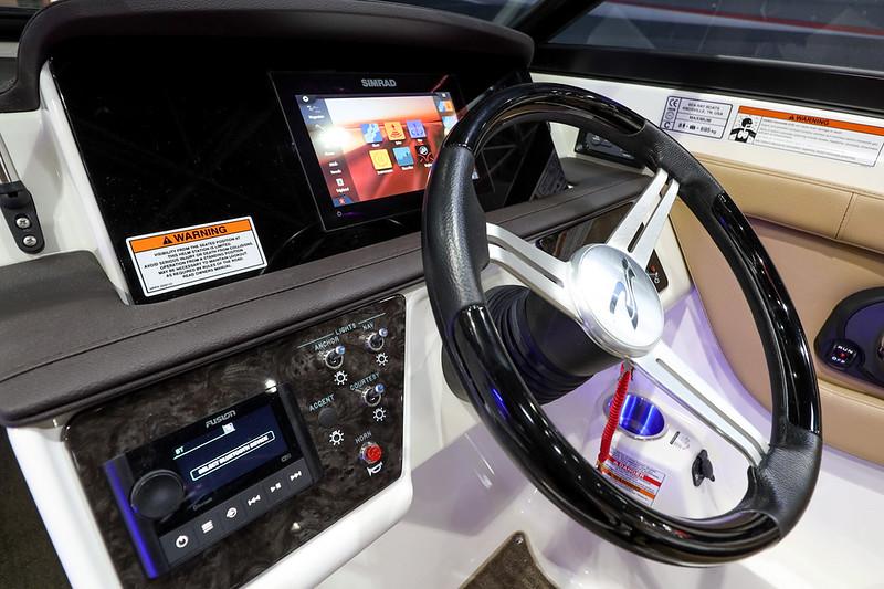 2020-SPX-190-Outboard-Europe-Dash-1.jpg