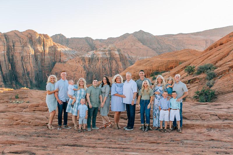 Wood Family 2018-1.jpg