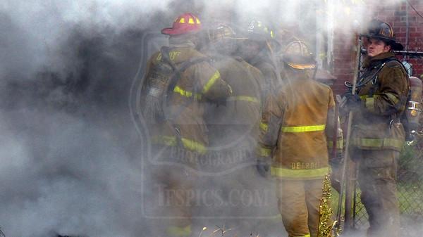 Detroit, MI - Box Alarm - Steel St. & Fullerton St. - November 2, 2012