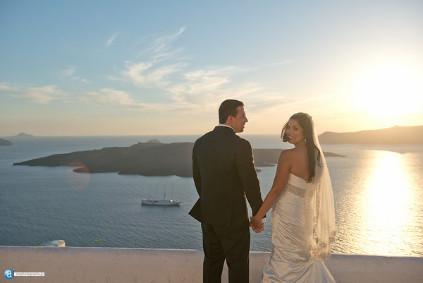 Santorini photographer, the wedding of Brenda and George
