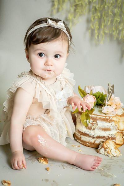 Amber cake smash--14.jpg