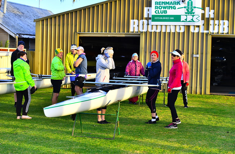 Renmark Rowing Club row to Woolshed