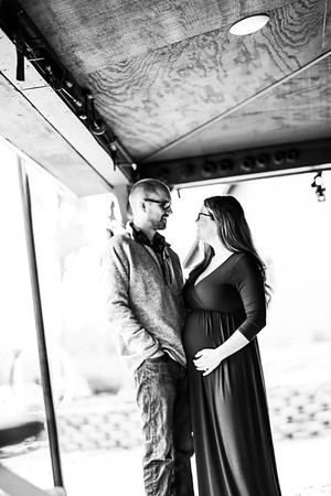 Kassie and Kody- Maternity
