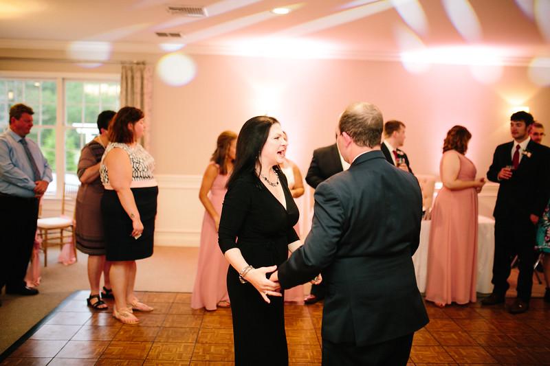 amie_and_adam_edgewood_golf_club_pa_wedding_image-1054.jpg