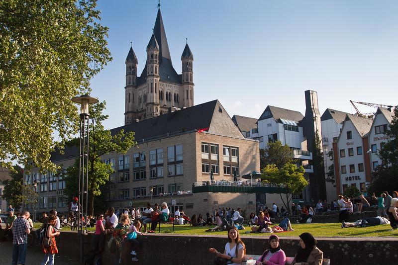 Life scene near the Rhein.
