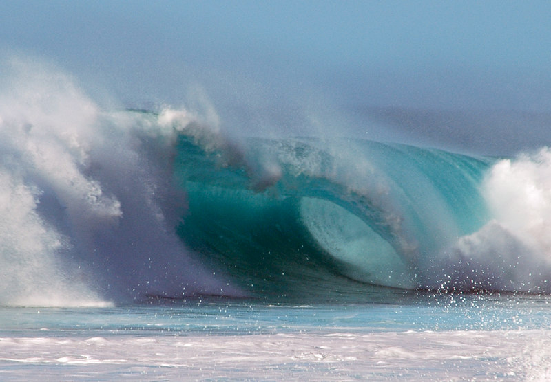 Barrels thundering in at Pipeline