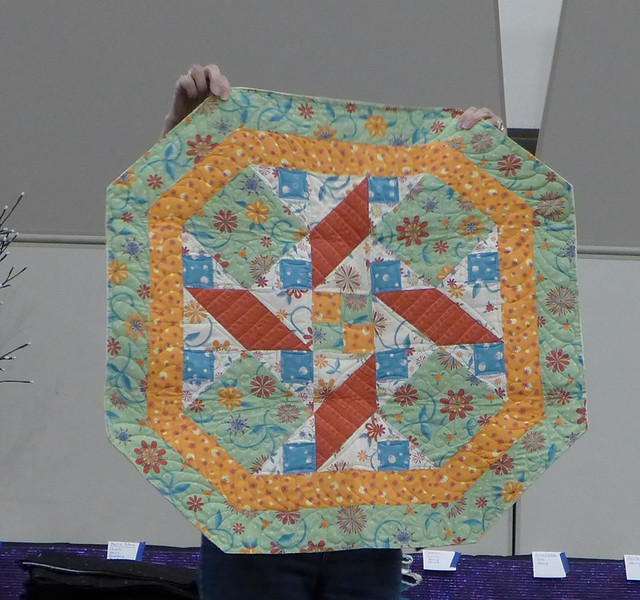 This is a table topper that Sharon Wexler made that is going  to the silent auction for the GTP17 Quilt Show.