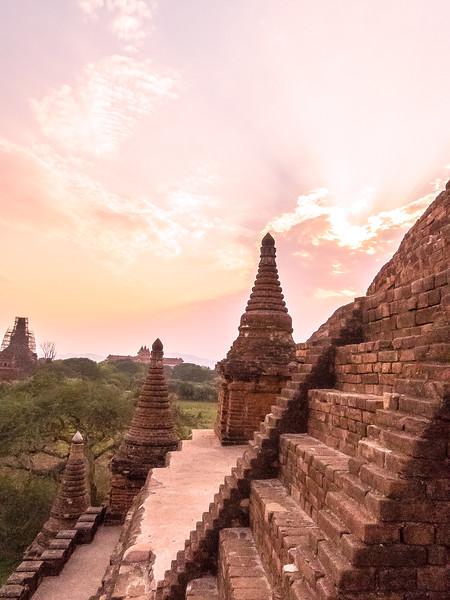 Myanmar Bagan Temples_P1170016.jpg